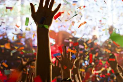 Hands confetti